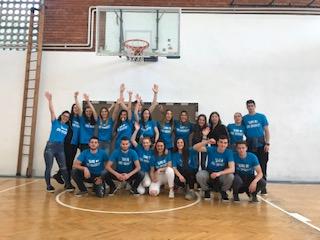 Maturanti sportski pozdravili Ekonomsku školu!