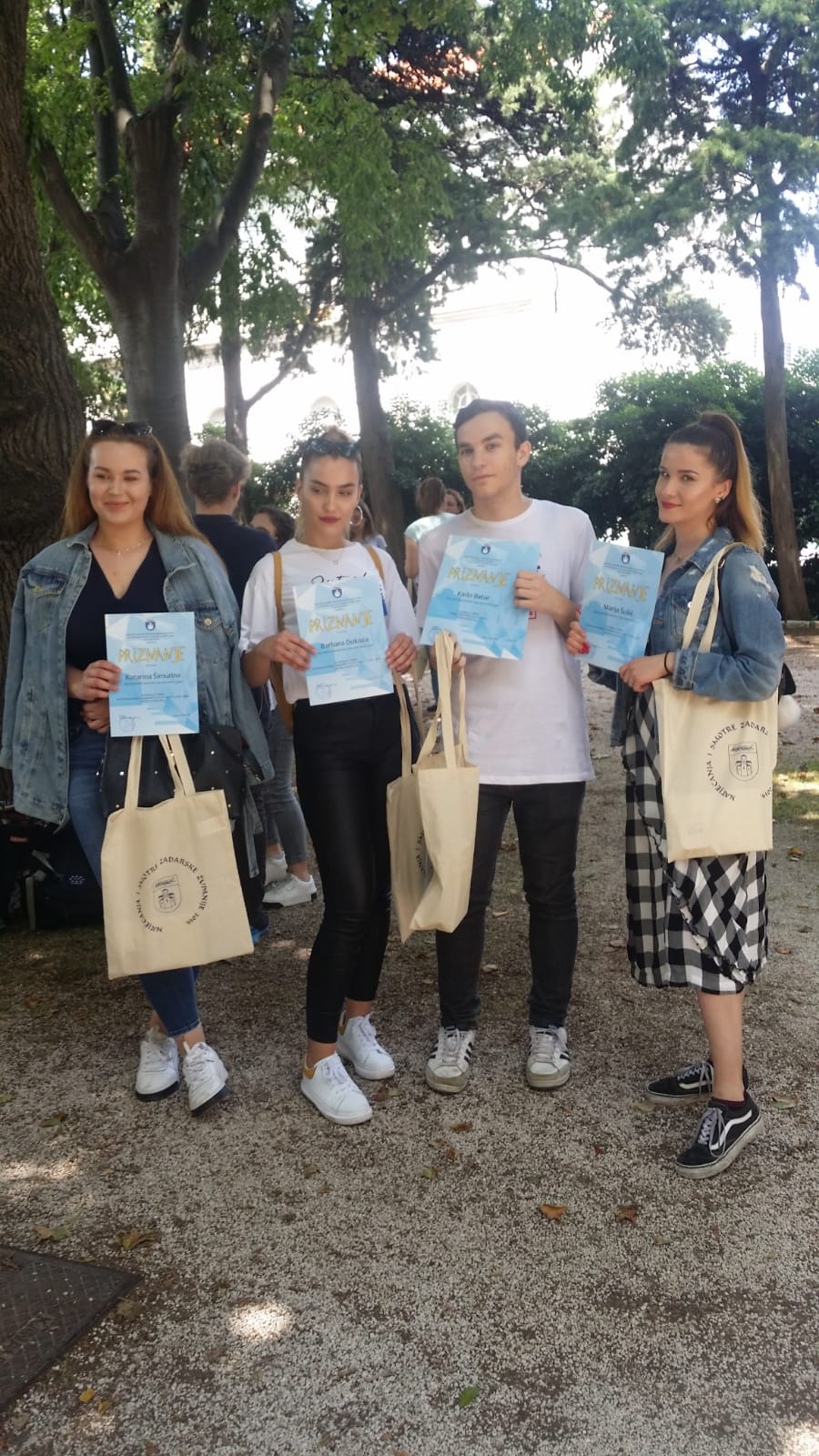 Na svečanom prijemu u Zadarskoj županiji župan nagradio najvrjednije učenike EBTŠ